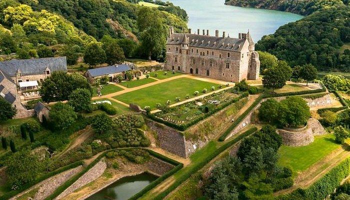 Domaine départemental de la Roche-Jagu : parc château jardins
