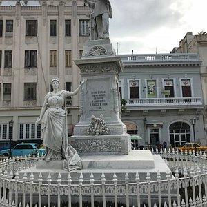 Il monumento a Francisco de Albear