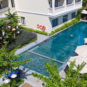Our swimming pool set in the Lantern Garden is a great place to relax & spend quality time toget
