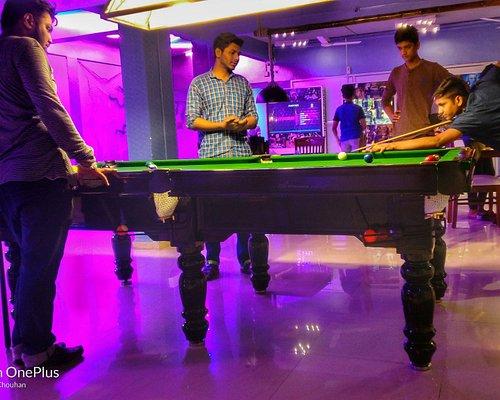 Professsional pool table