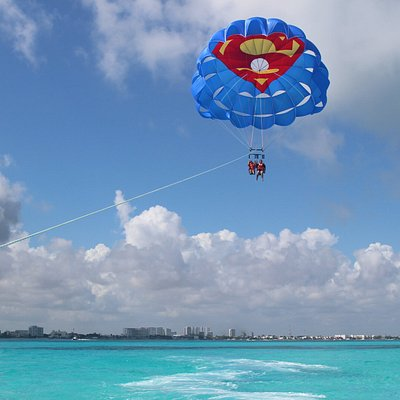 Parasailing over Cancun for a delicious view
