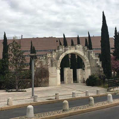 Porte de saint gely