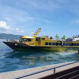 safe & comfortable is exactly for Golden Queen Fastboat so do not hesitate,let the Golden Queen
