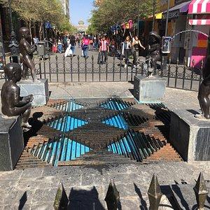 Divertida Fuente en el centro de Guadalajara!!