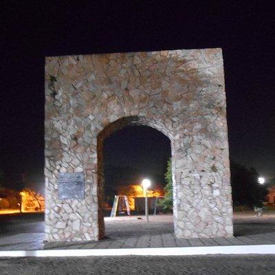 Arco do Triunfo na Praça Comendador Azevedo
