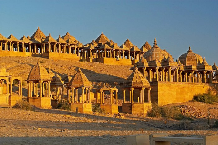 Outstationtaxi service in rajasthan tours in agar taxi service in Gurgaon taxi service in Gurgao