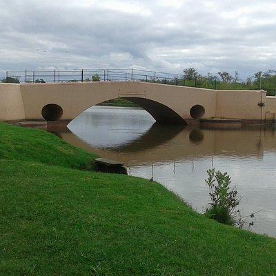 Vista del Rìo Areco bajo el Puente Viejo- San Antonio de Areco 2018.