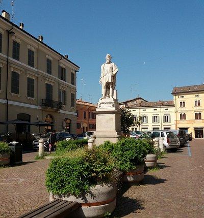 Statua del Correggio