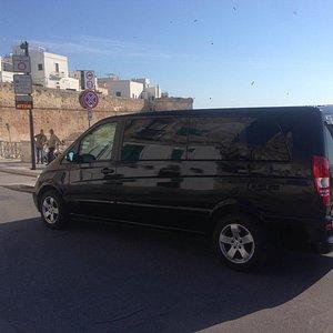 Minivan mercedes 7 posti adatto per tour, escursioni, transfer.