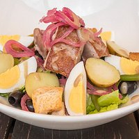 Nicoise Salad with Fresh Tuna