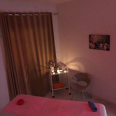 ommmmi .... Le meilleur massage que j'ai reçu dans ma vie était très relaxant. J'ai apprécié cha