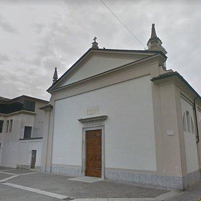 Chiesetta antica restaurata di recente, al suo interno è presente ancora l'urna della salma del