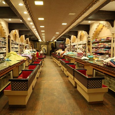 The Standalone store of Ada where customers shop the best Chikankari products in Lucknow.