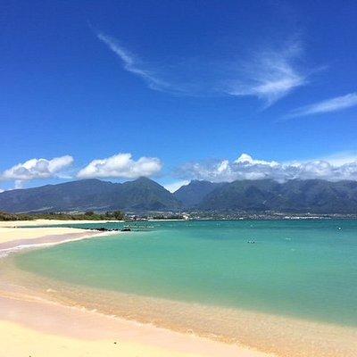 Kanaha beach on a sunny day