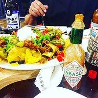 Nacho's, Beer n Hot Sauce