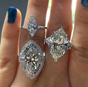 Diamond rings of varieties