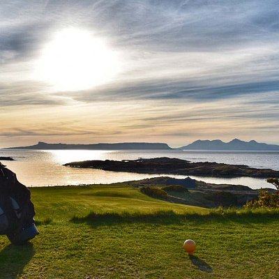 Hole 2, with Eigg and Rum in the background