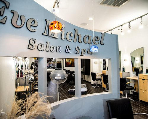 High-End Salon & Spa.Everybody welcome!Great  service.