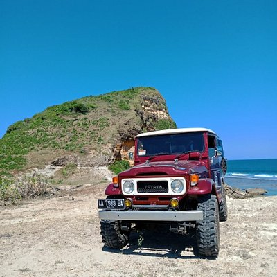 People said 'Bumpy roads often lead to beautiful destination'. This is our trip to Buak Beach by