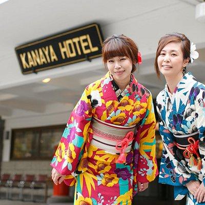 お店の周辺はクラシカルホテルや世界遺産エリア。撮影スポットが多くあります。