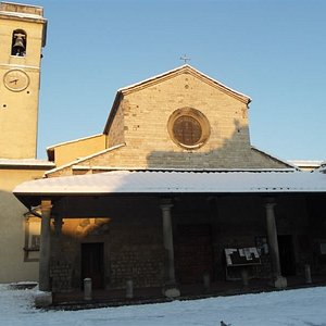 chiesa innevata