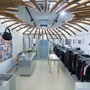 il negozio in Via Eleonora D'Arborea 54