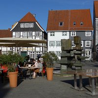 Soest, Café Schuemer, outside seating with Rathausbrunnen