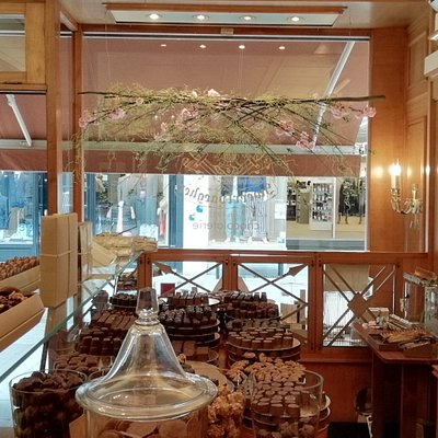 Immerse yourself in the cosy atmosphere and the delicious chocolate flavours...