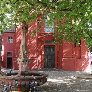 Der Adelhauser Platz