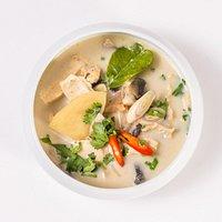 Thom Kha Kai ( soupe poulet -champignons- citronelle - lait de coco)