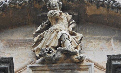 Arcangel y demonio