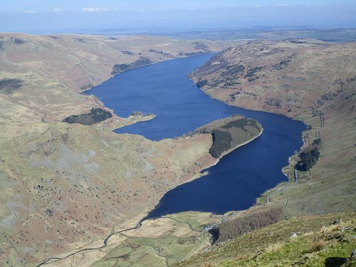 A good view of Hayeswater looking North from the second cairn on Harter Fell