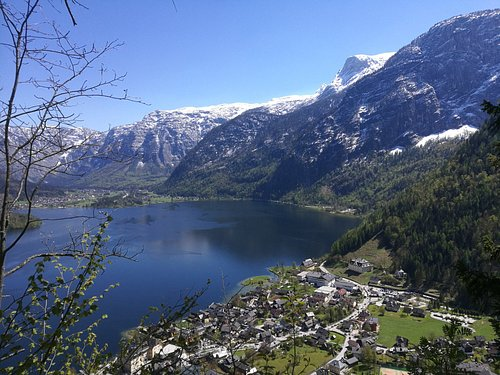 View on Hallstatt and the lake, from the middle of via ferrata