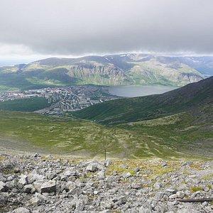 Вид на город Кировск с горы Айкуайвентчорр