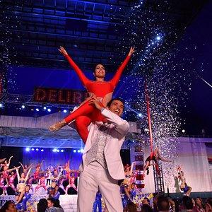 show de salsa en Cali Colombia delirio Salsa Circo y Orquesta