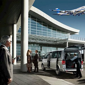 Fly and get on your transfers instantly. Waiting service always included.