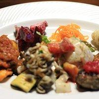 前菜の盛り合わせ 宮津・丹後の食材で作られていてとっても美味しい