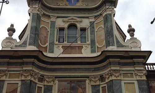 ...facciata dlla Chiesa di Santa Maria della Pieve...