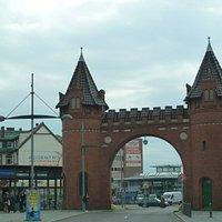 Das Tor zum Turm
