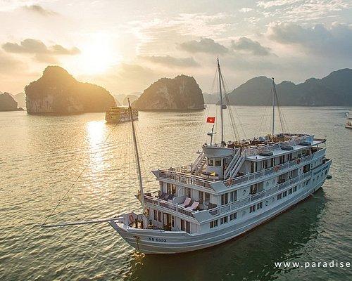 Paradise Luxury Cruise on sunset