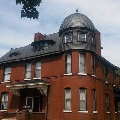 Johnstone Mansion Historic Victoran and VRBO