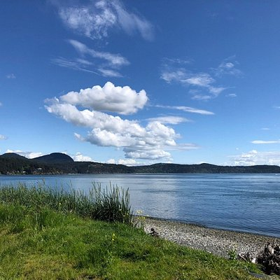 Looking to the southeast from Tugboat Beach.
