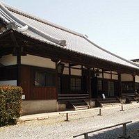 こちらがお寺の本堂です