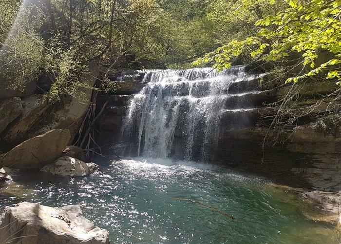 Una gita indimenticabile!!! Incredibili cascate raggiungibili comodamente con il sentiero.