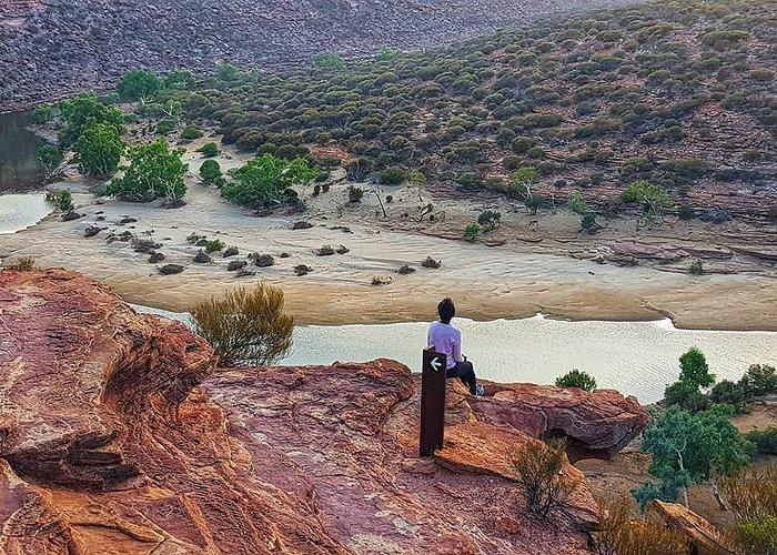 Nature's  window trail in W.Australia. AMAZING