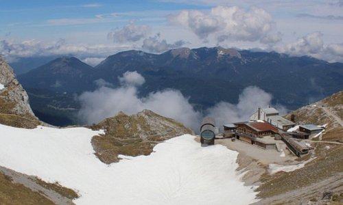 Riesenfernrohr von Panoramarundweg
