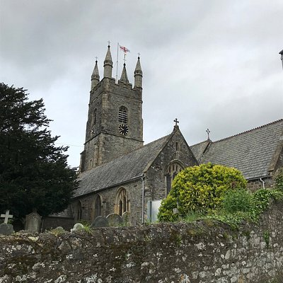 View from the lane, over the churchyard wall.