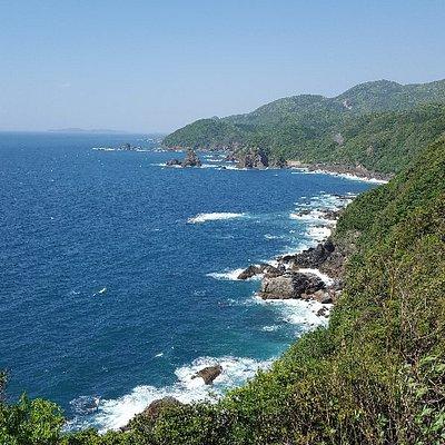 展望台より北に妙見浦を望む(2018年5月)