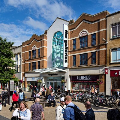 The Galleries Shopping Centre, perfect for a spot of shopping, a bite to eat and more.