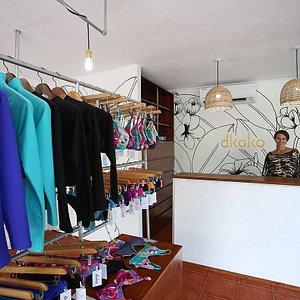 Dkoko bikinis shop in Jaco
